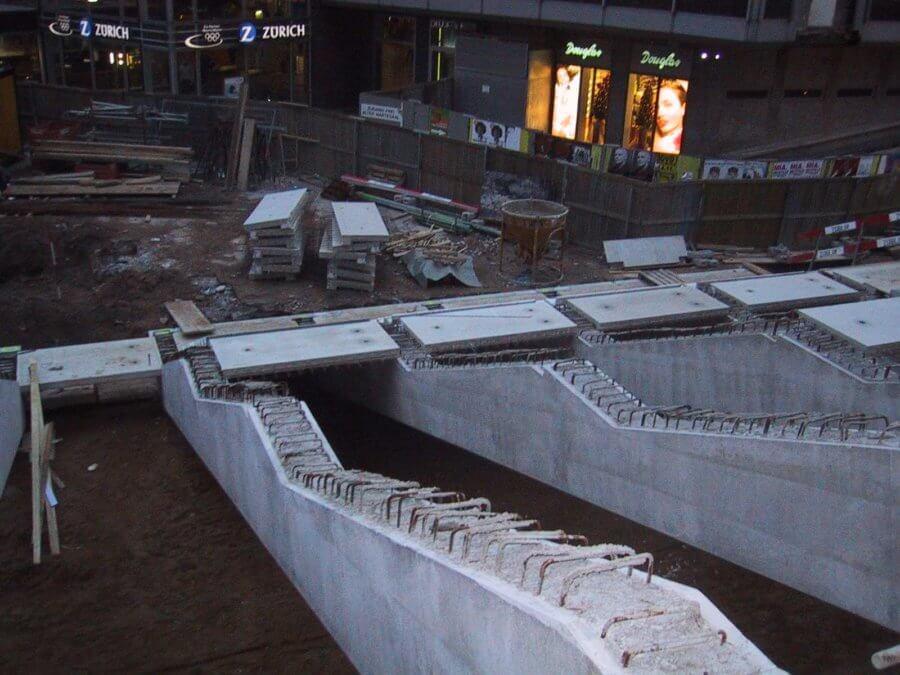 sanierung-domplatte-koeln_montage-unterkonstruktion-treppenanlage