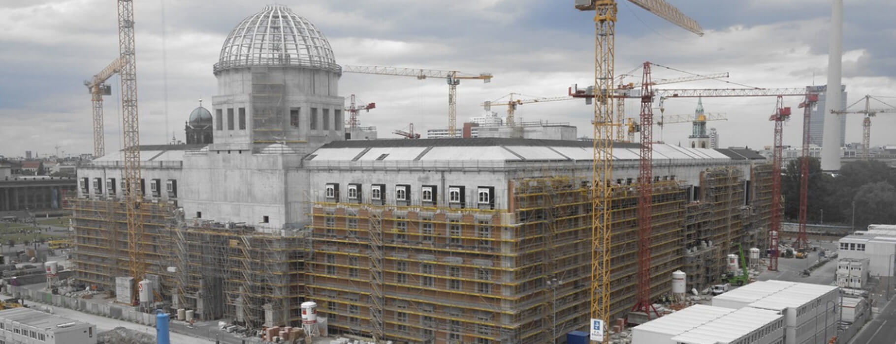 Mplus-SiGeKo-Projekt_HUF_Neubau-Berliner-Schloss_Fassade_West_titelbild