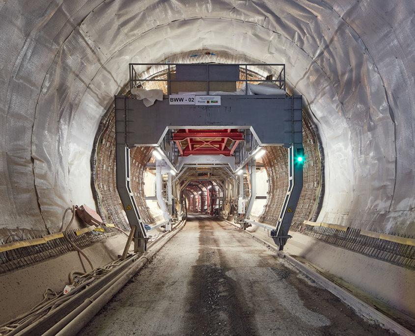 Stuttgart21_Tunnel-Bad-Cannstatt_Isolierung-und-Bewehrung-vor-der-Innenschalenbetonage