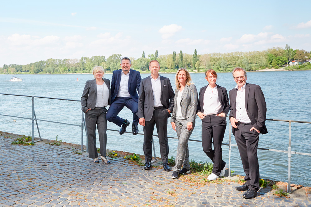 mplus-management-am-rheinufer-in-bonn